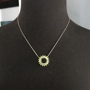 Jewelry - 925 stamped silver and peridot 3.89ctw pendant